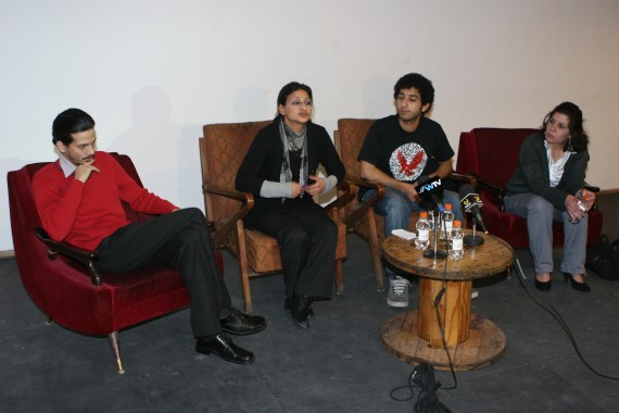 ضيوف إحدى الجلسات. من اليمين إلى الشمال: سوسن حبيب، عبدالله الخالدي، لما حزبون و يعقوب أبو غوش