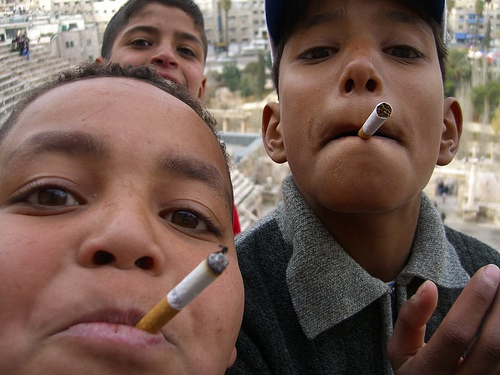 smoking_kids